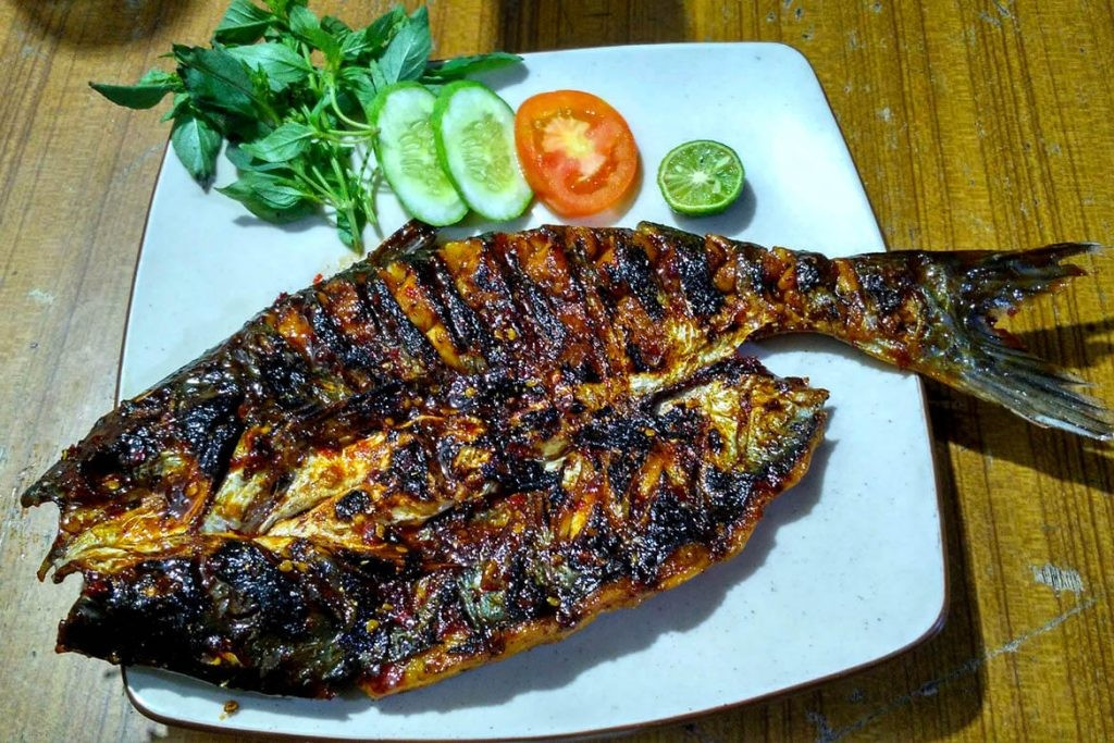 Delicious 'ikan patin bakar' in a cozy setting - Food - The Jakarta Post