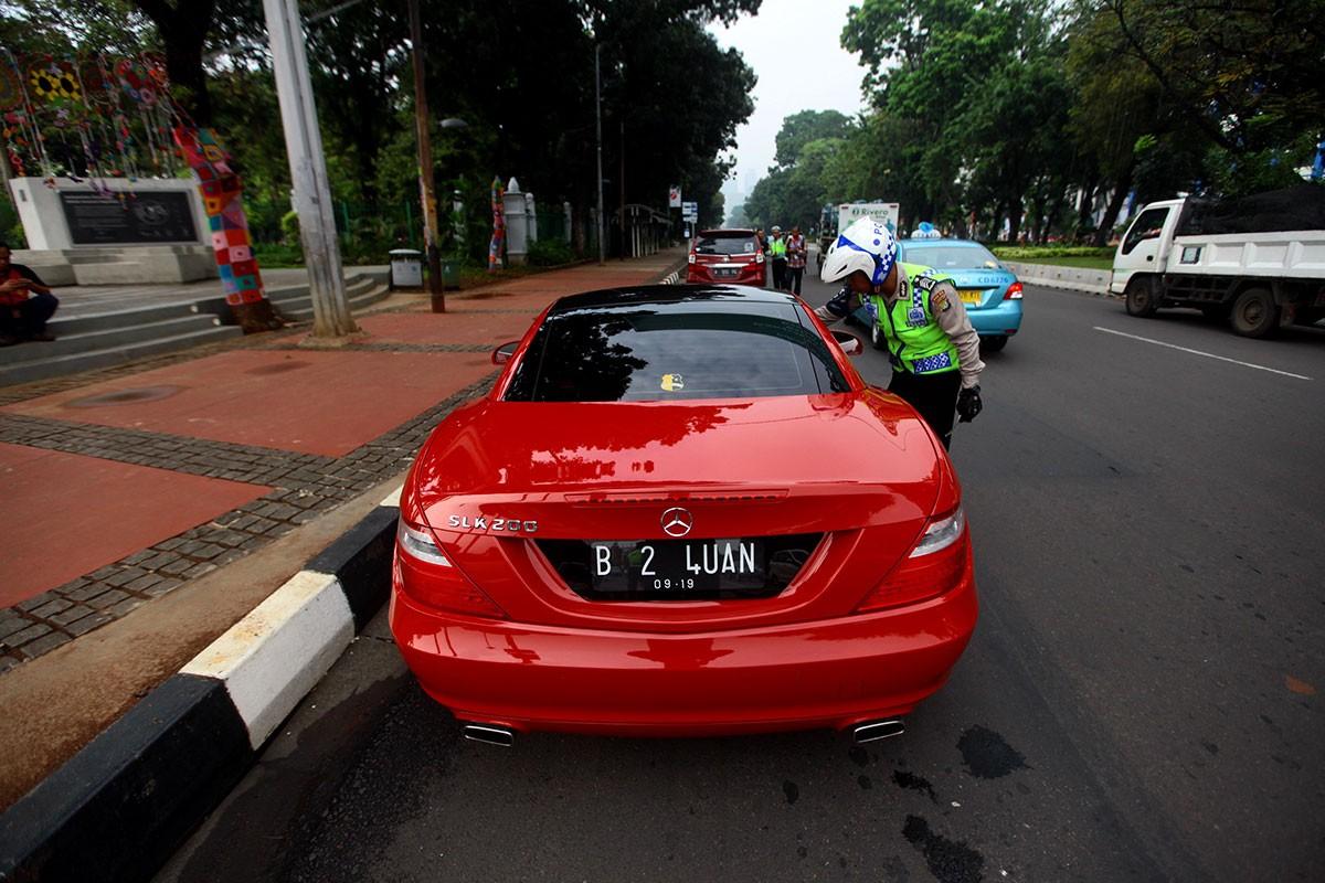Jakarta's motorists welcome app-based ticketing system