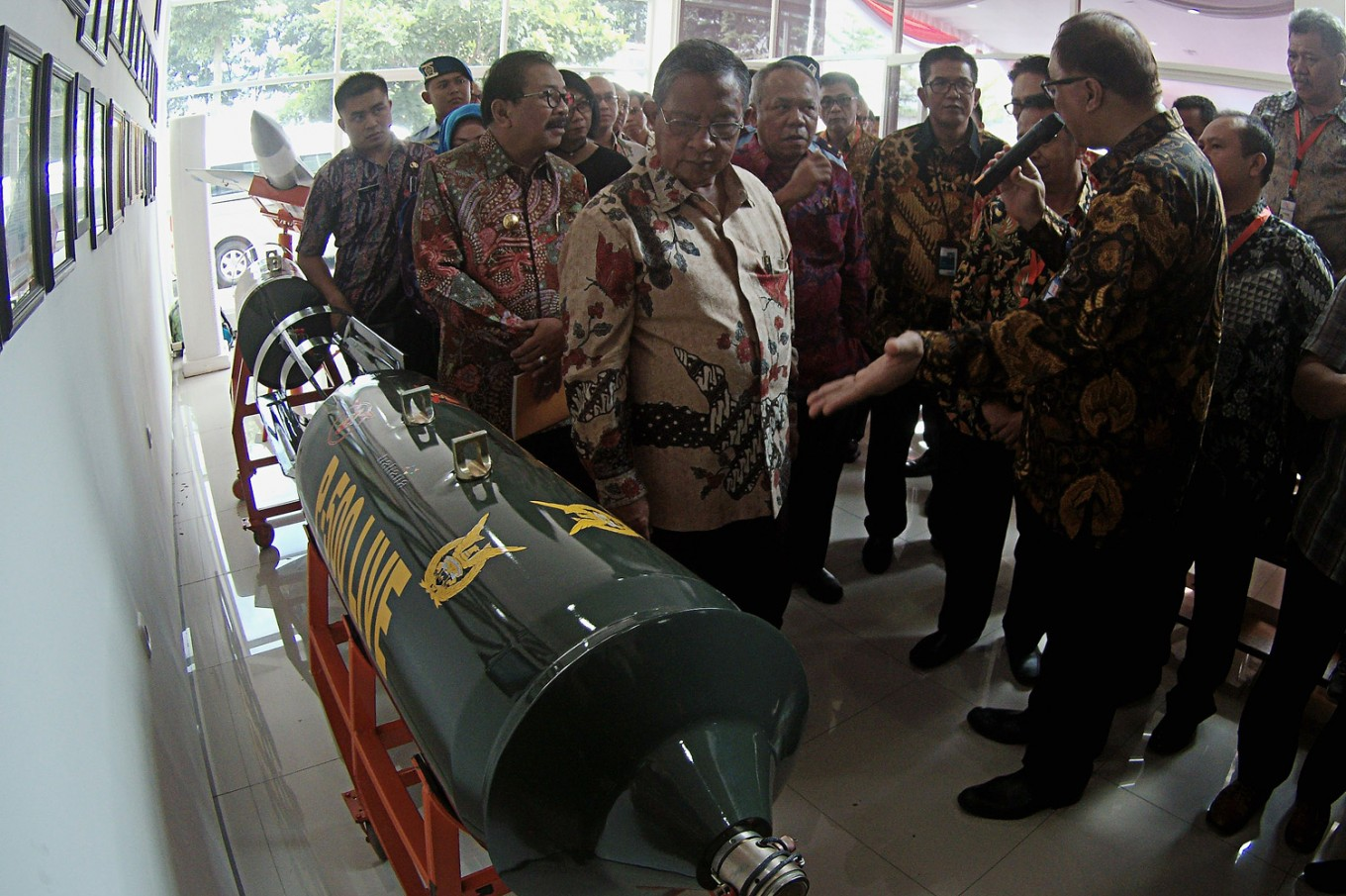 Govt explores potential of exporting Sukhoi bombs from East Java
