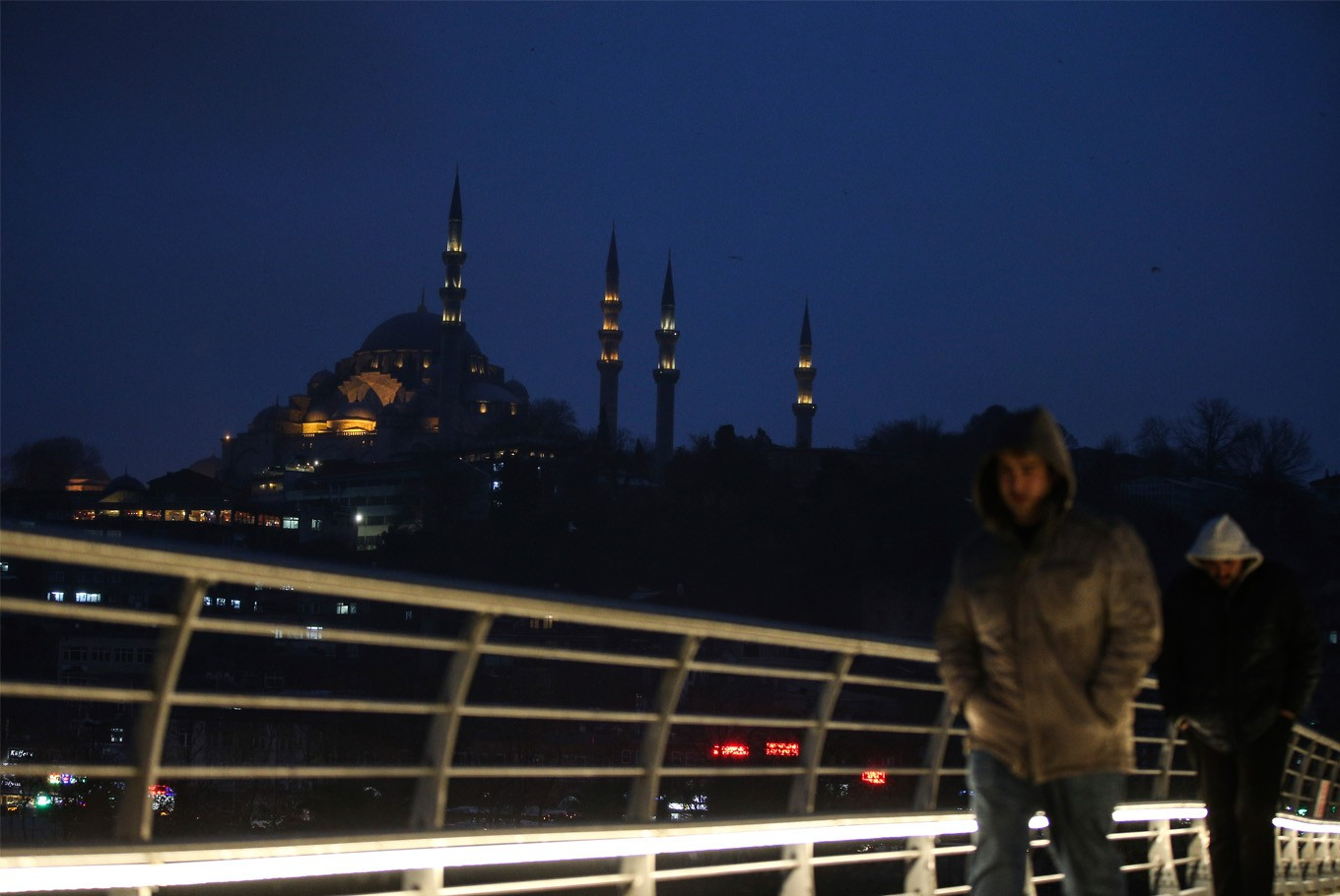 Turkey's tourism takes big hit after extremist attacks