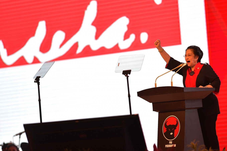 Drop report against Megawati: PKS lawmaker