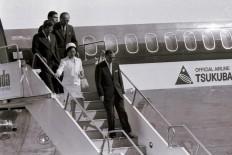 Then Japanese prime minister Yasuhiro Nakasone and his wife Tsutako Nakasone arrive in Jakarta on April 30, 1983. JP/Alex Lumy
