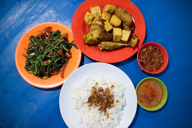 Tasty 'nasi uduk' is talk of town