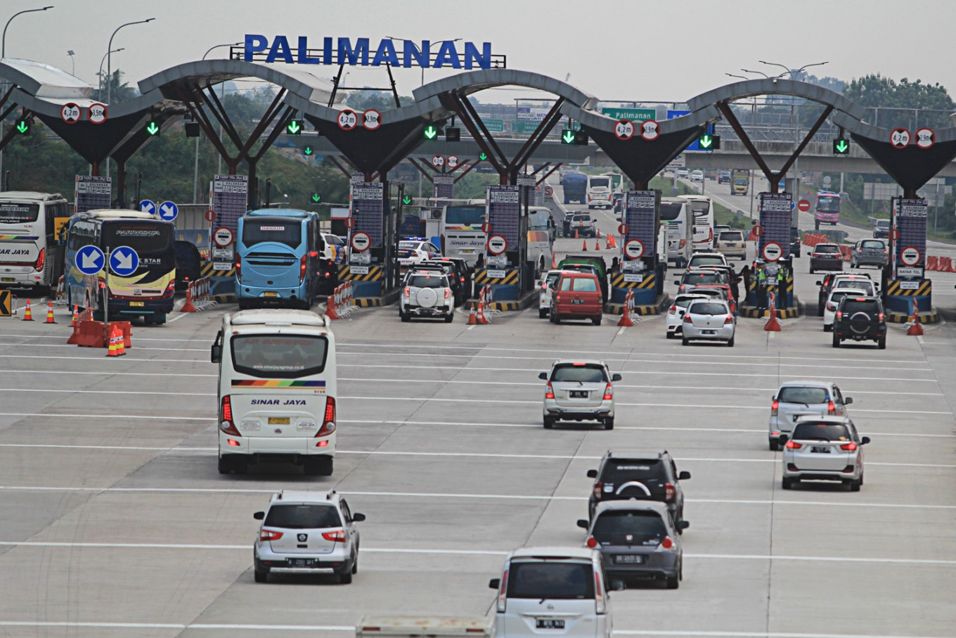 Sale of Trans-Java sections to fund more toll road projects