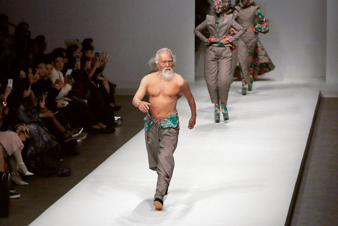 'China's hottest grandpa' is 80... and still going strong