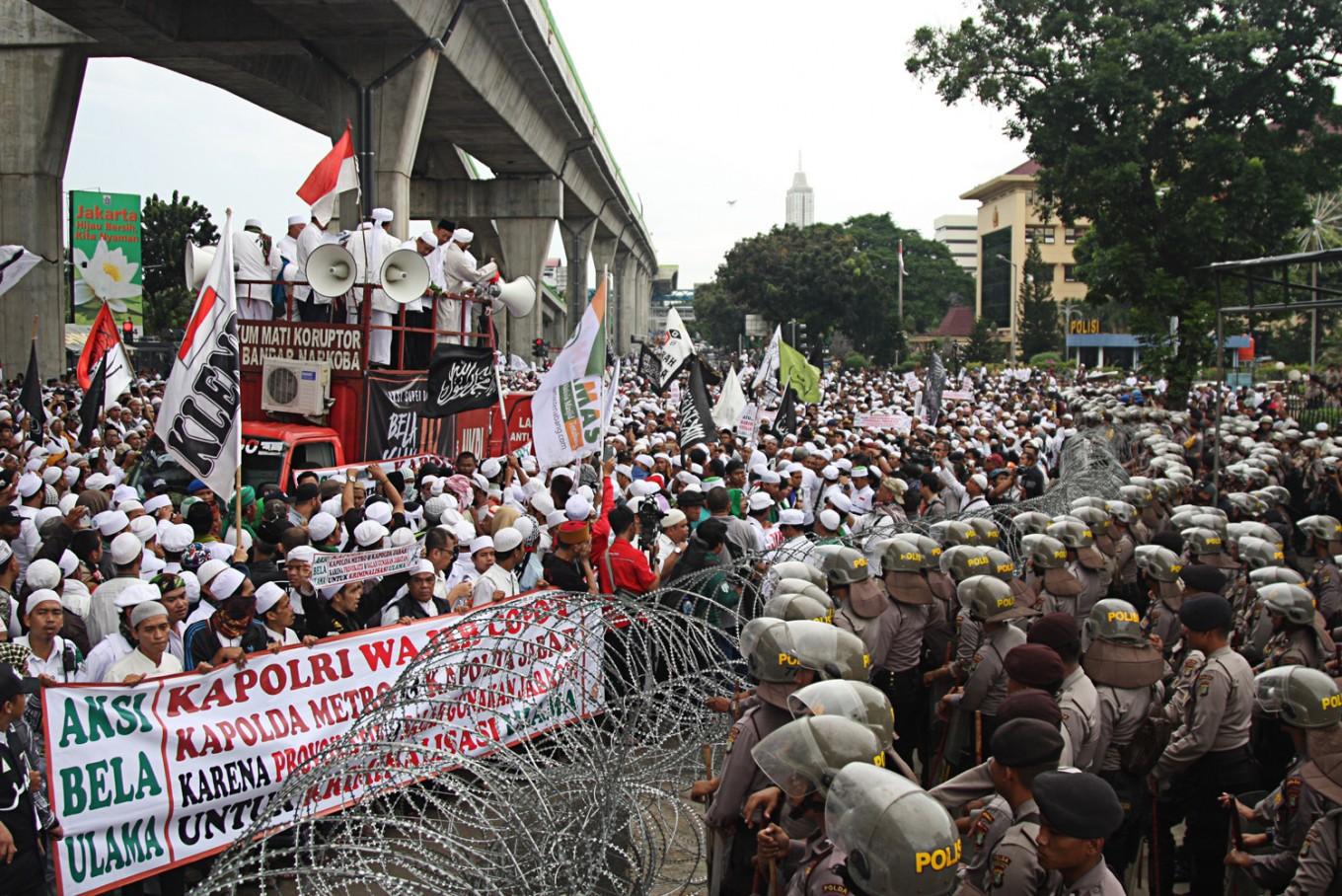 NU, Muhammadiyah suffer setbacks over their roles in society