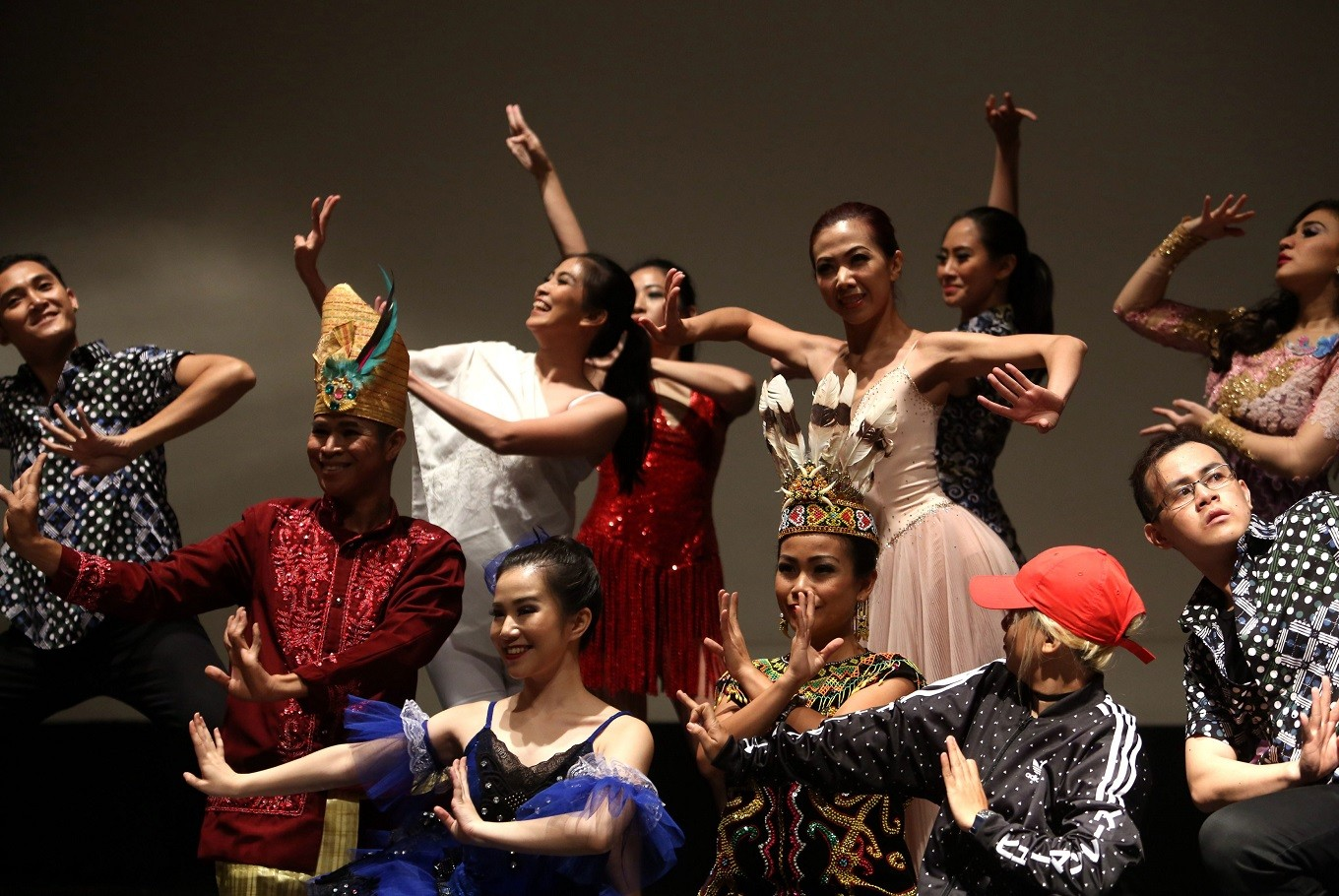Organizers wanted the art of dancing to combine music, passion, soul, fashion and make-up. JP/ Seto Wardhana