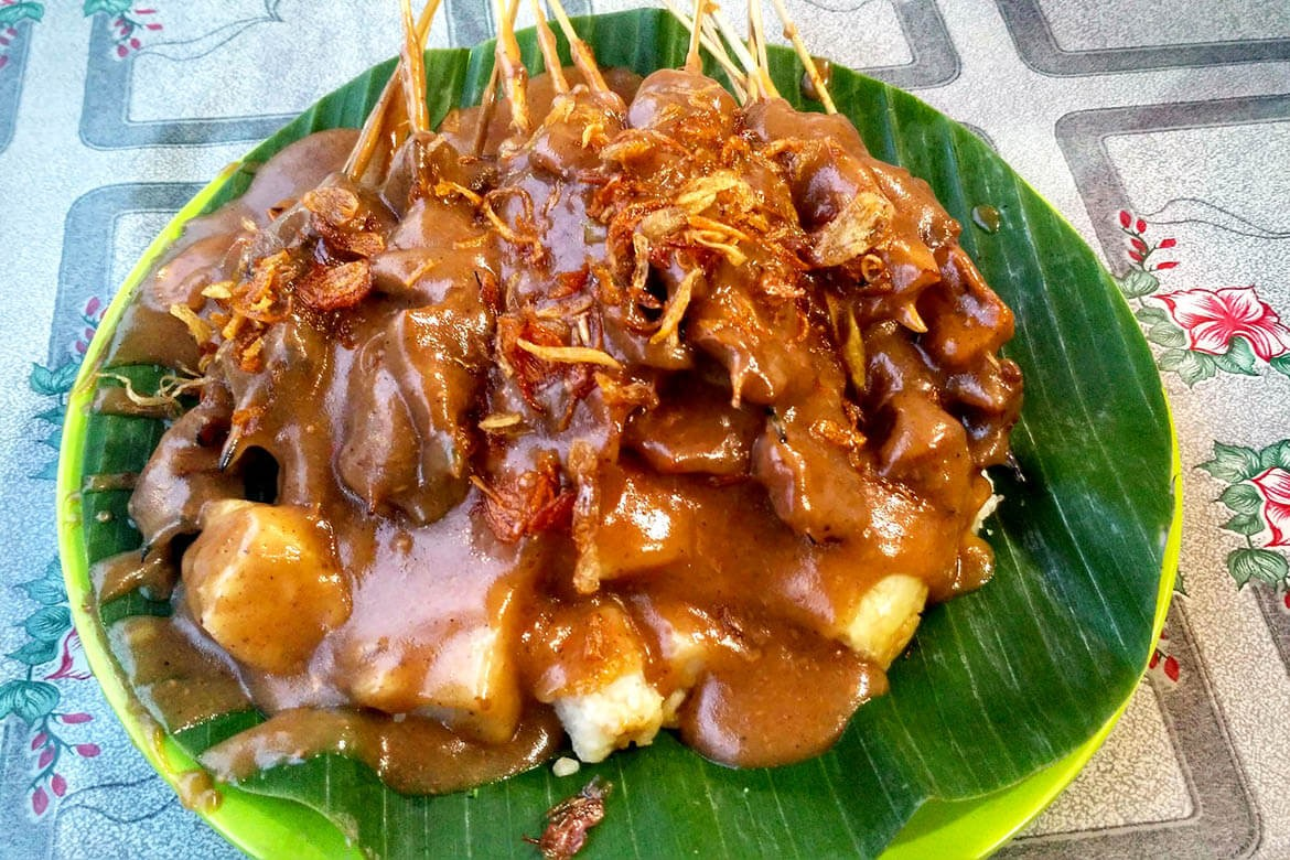 Where to find a mouth-watering 'sate Padang' dinner in South Jakarta