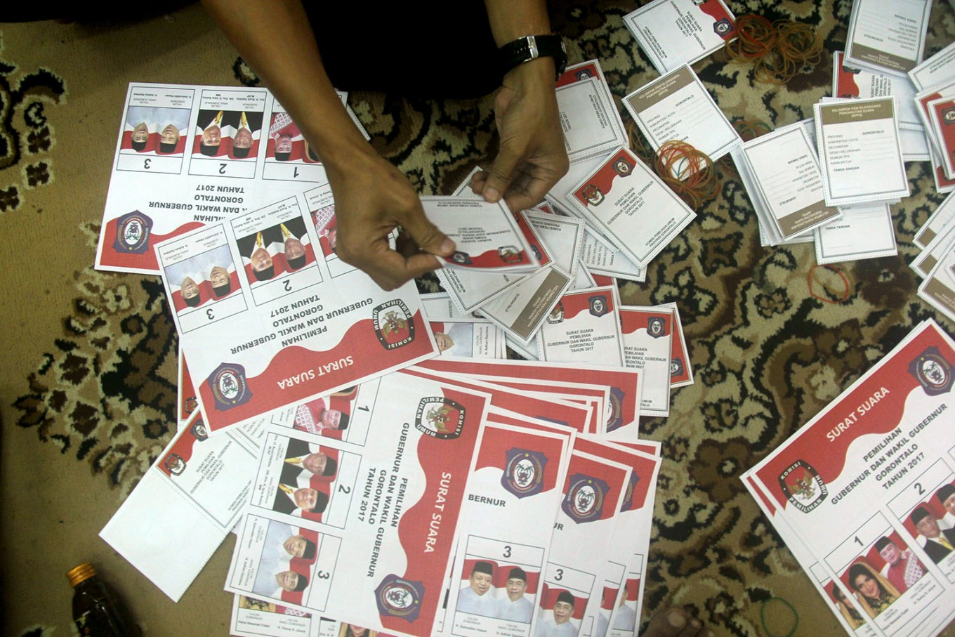 Thousands of ballots in West Sulawesi damaged