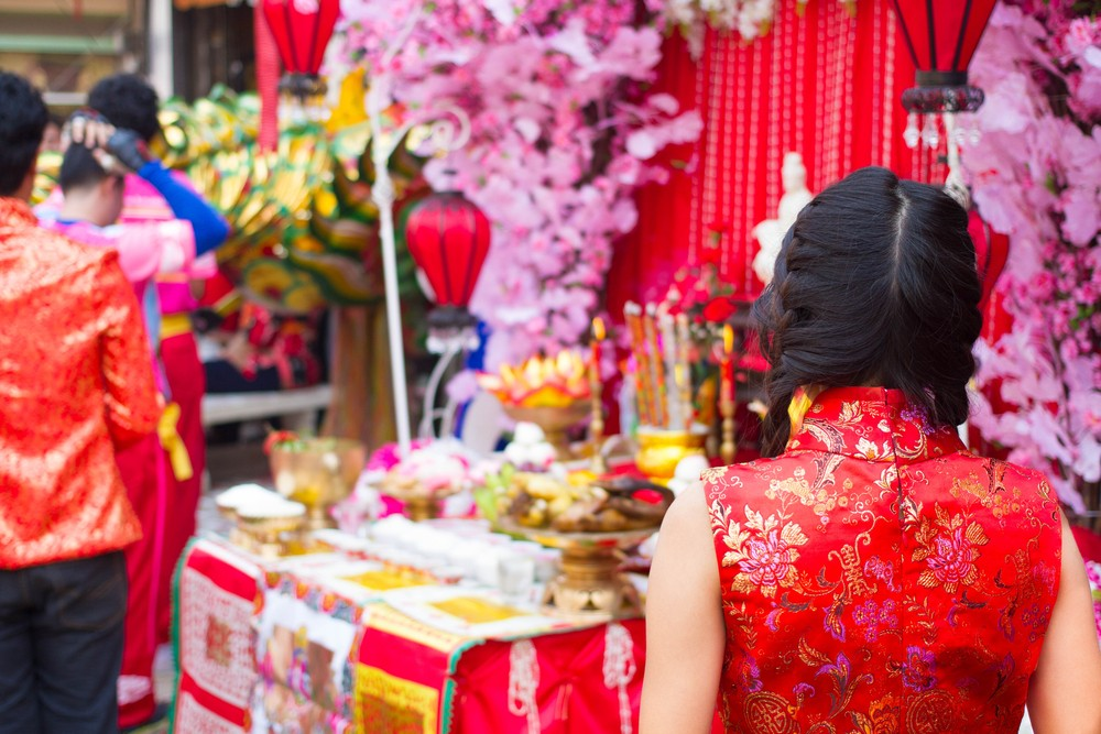 Amid mourning, Thailand divided over Chinese New Year fashion