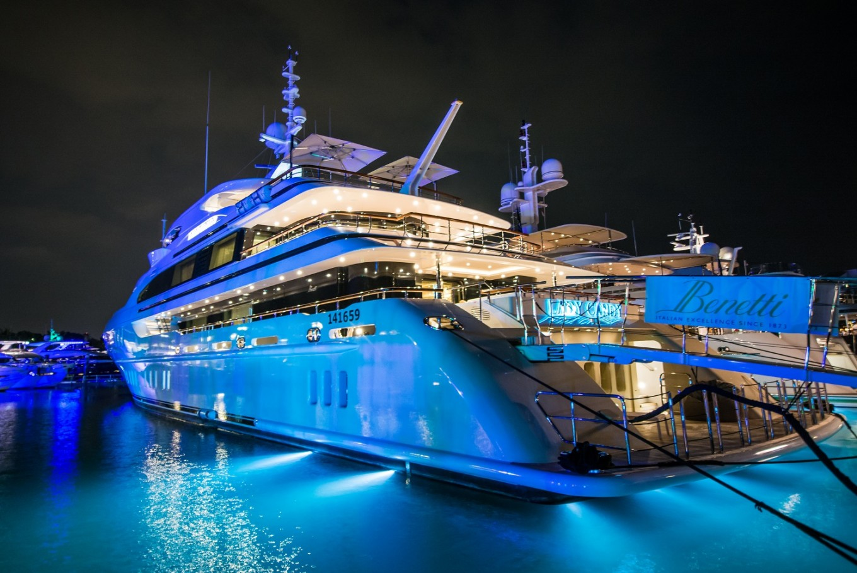 Singapore show boasts world's finest superyachts