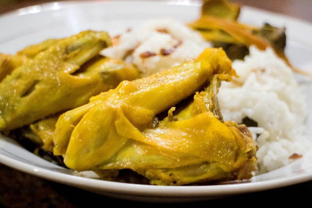Mat Lengket: Much-loved fried chicken and 'nasi uduk' establishment