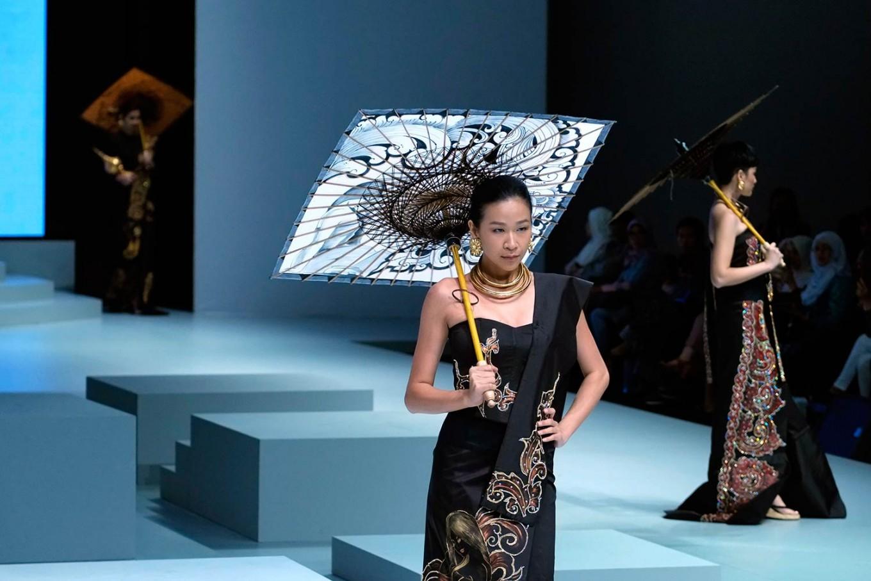Myanmar designer May Myat Waso showcases her designs at the Indonesia Fashion Week 2017. (JP/Jerry Adiguna).