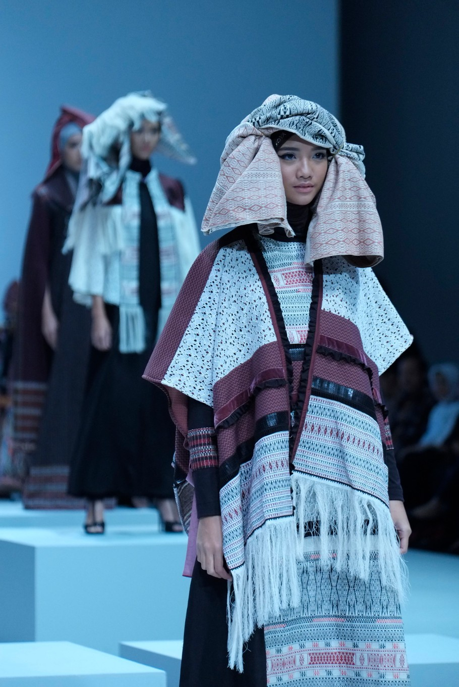 A model wears an example from the ethnic collection by designer Torang Sitorus (JP/Jerry Adiguna).