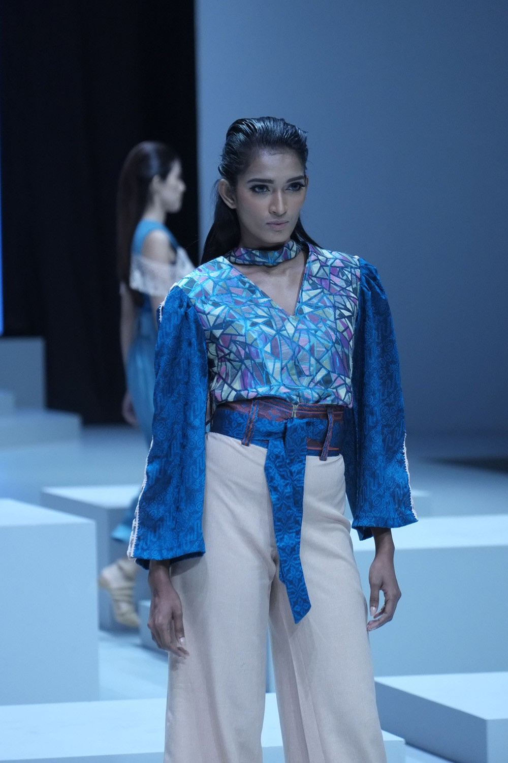 A model struts down the runway wearing clothing from the collection of designer Julietteart. (JP/Jerry Adiguna).