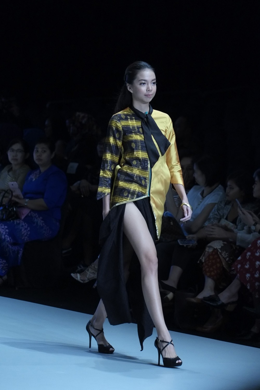 A model wears clothing from the collection of designer Amir Malik. (JP/Jerry Adiguna).