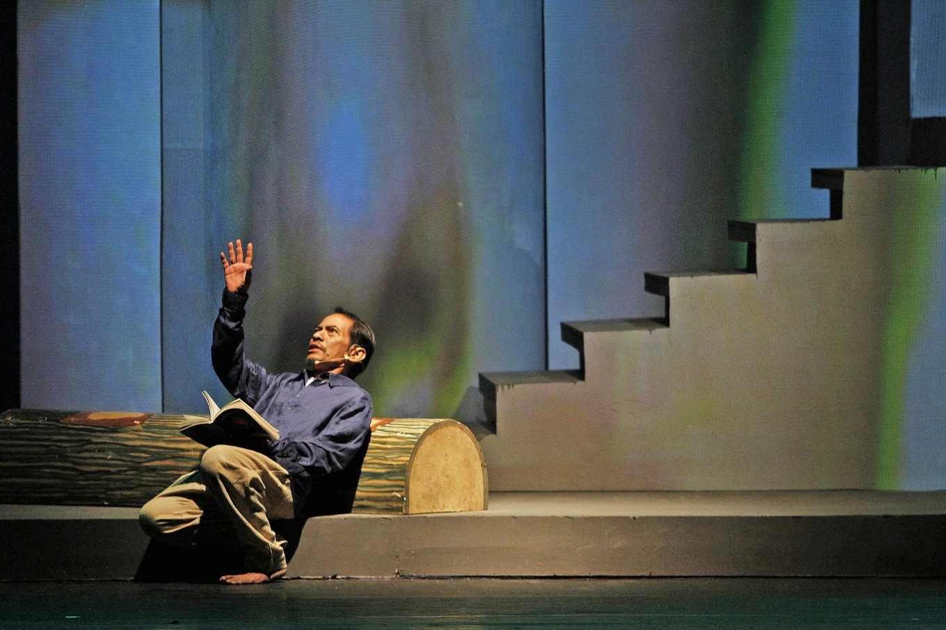 'Manusia Istana': More than just a poetry reading