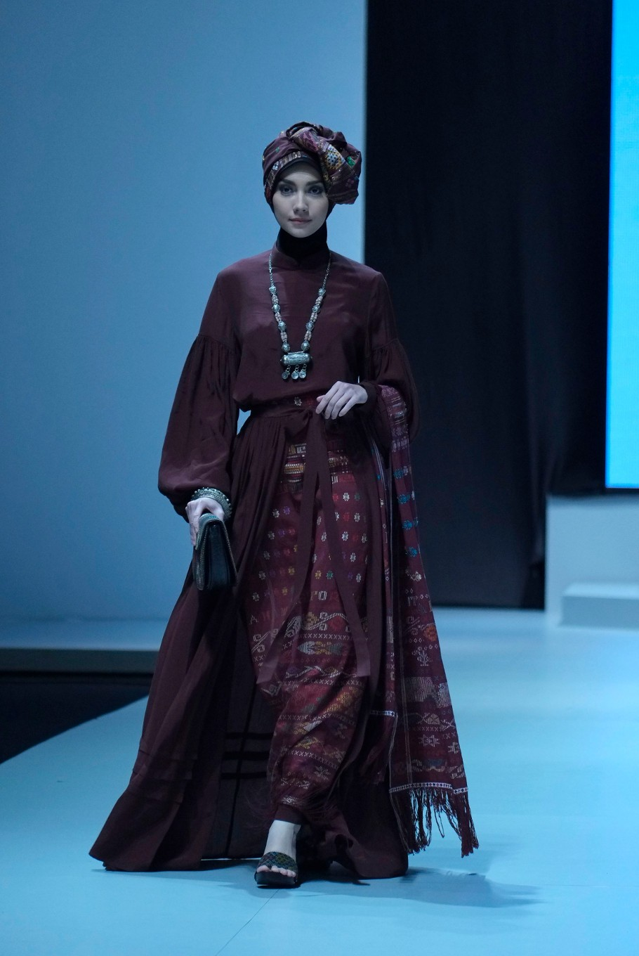 A model wears a dress from the collection of Muslim fashion designer Ida Royani. (JP/Jerry Adiguna).