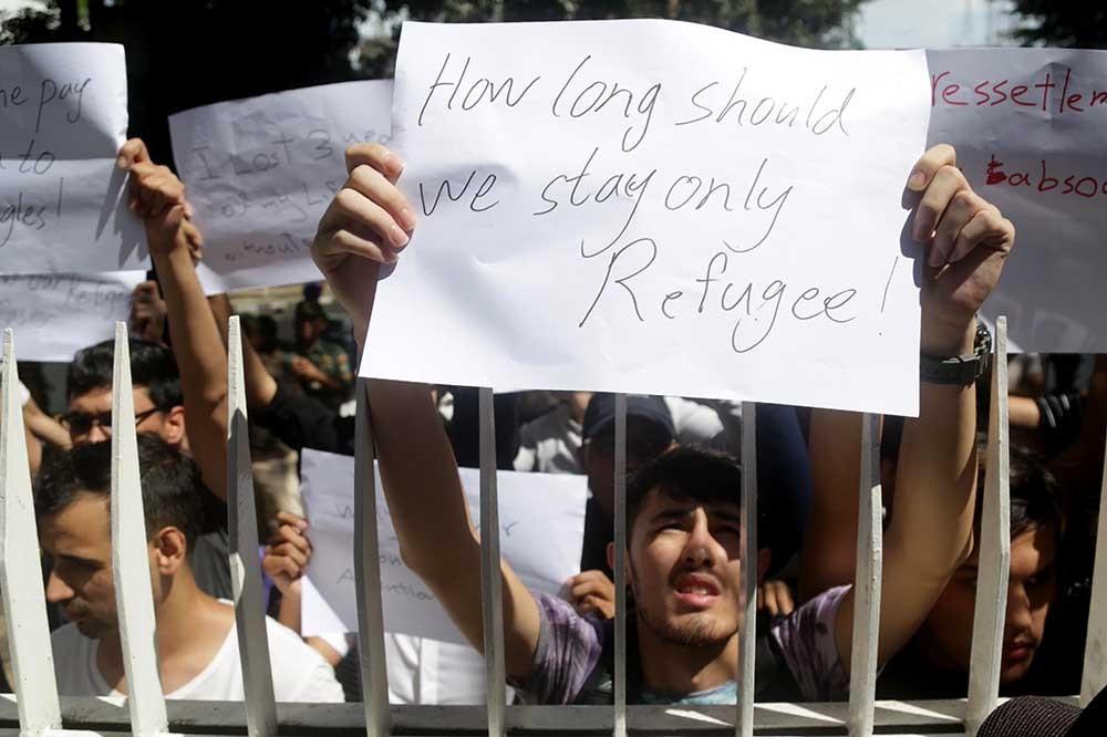 Hosting refugees: Beyond a transit nation