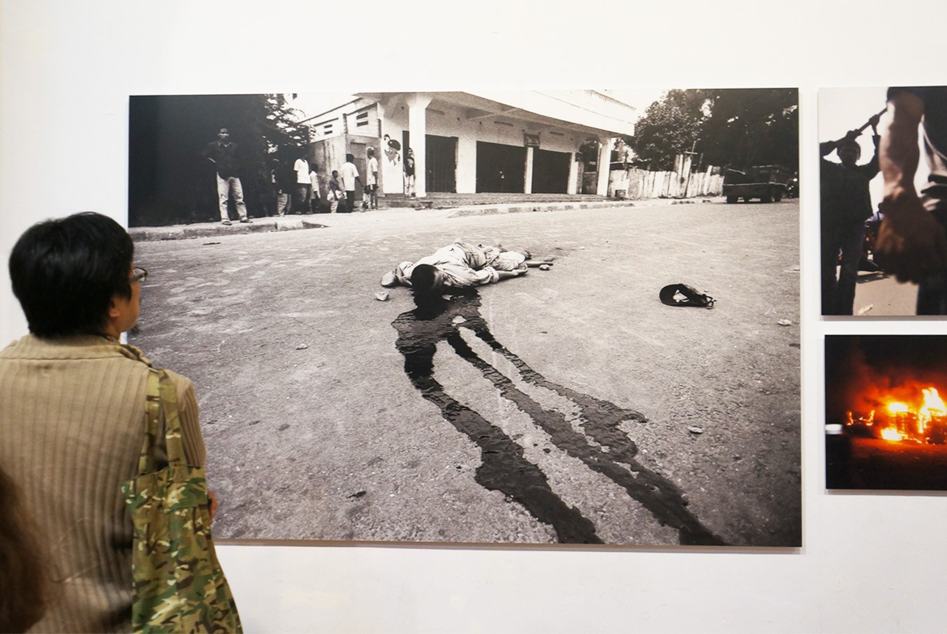 A photograph by Eddy Hasby shows Bernadito Gutteres, a student of Salatiga's Satya Wacana University who supported independence in East Timor. He was shot dead in front of Santo Paulus monastery in Dili, East Timor. (JP/Masajeng Rahmiasri)