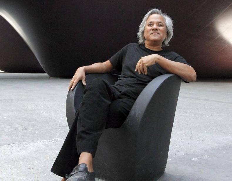 Sculptor Anish Kapoor wins $1 million Jewish award