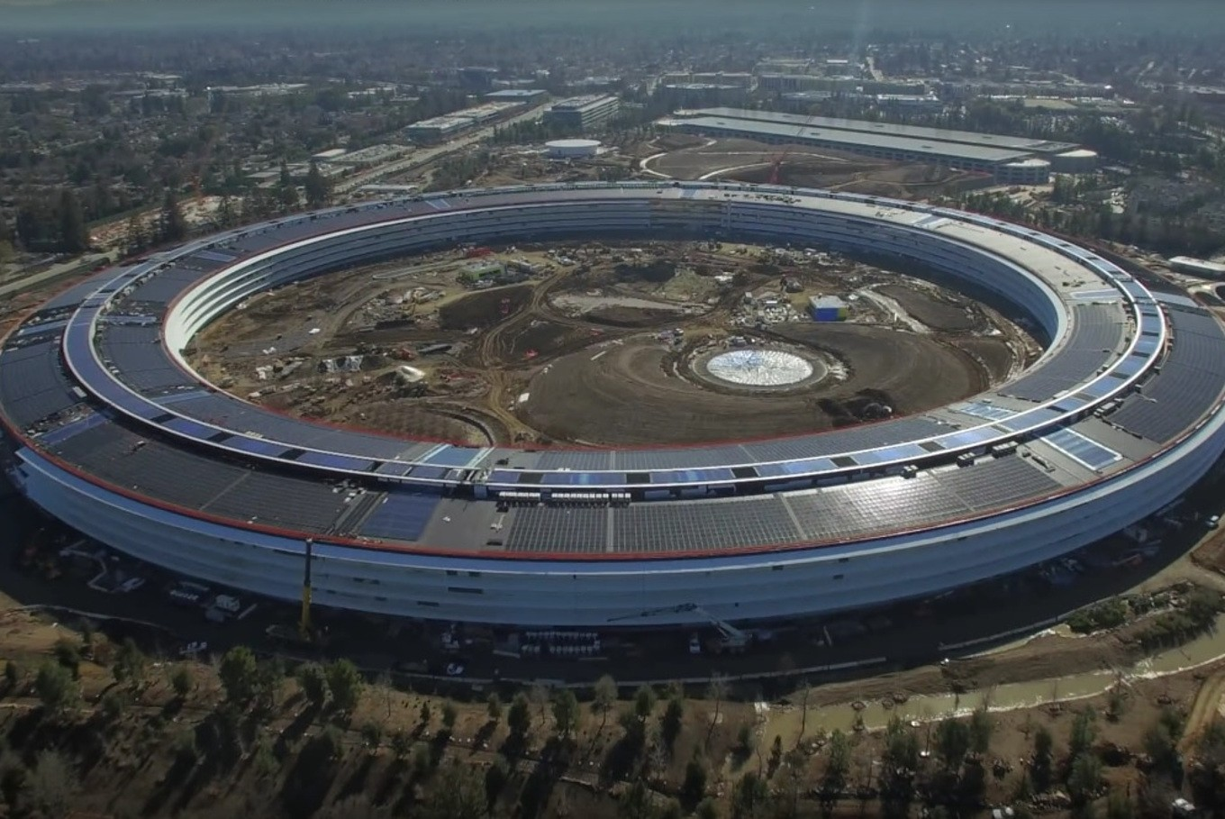 9 interesting facts about Apple's new 'spaceship' campus