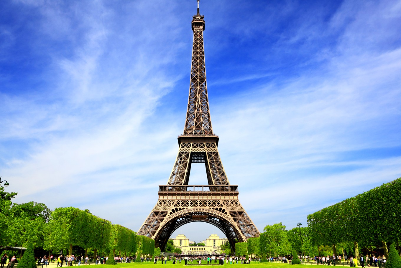 The Eiffel Tower is the world's most popular tourist attraction according to Instagram