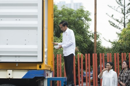 Goverment to distribute rice, sugar through cards