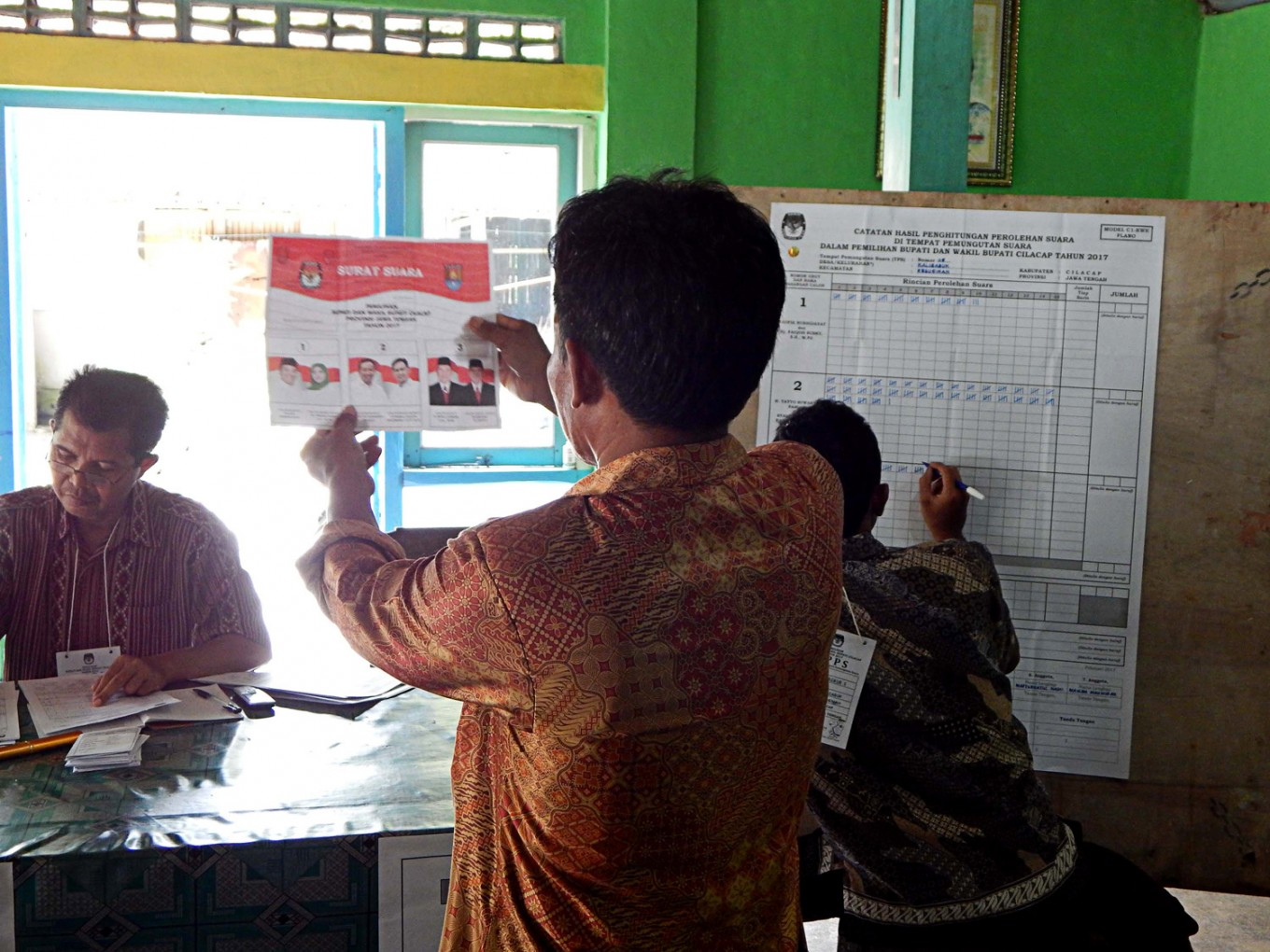 Visiting Indonesian lawmakers find Germany no longer implementing e-voting