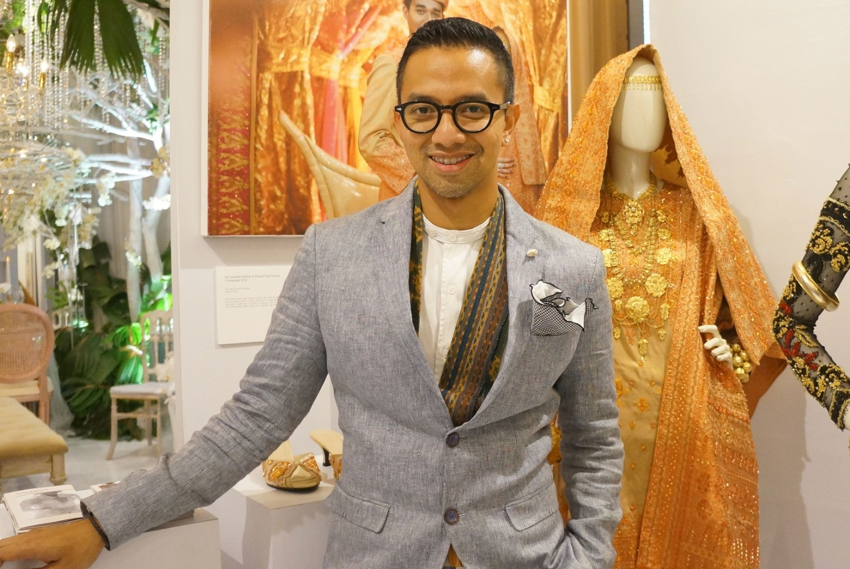 Didiet Maulana unveils BCA's new textile uniform