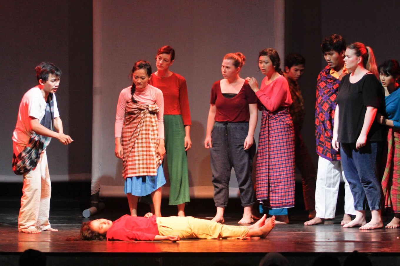 The theater performance portrays the Jamarun folklore originated from Cianjur, West Java.