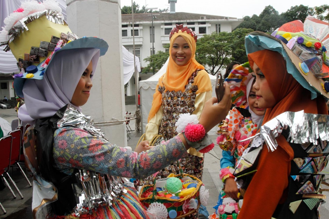 Waste bank gives Cengkareng residents extra income
