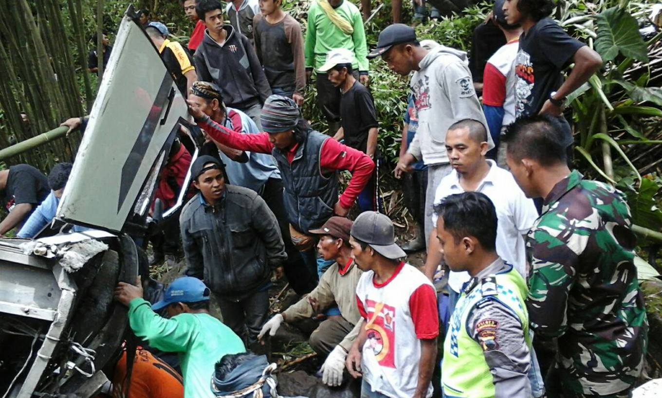 Six killed in Central Java bus plunge