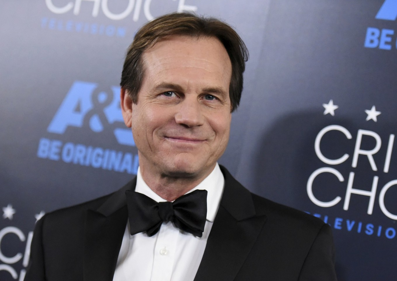 apollo and titanic actor bill paxton dies at  apollo 13 and titanic actor bill paxton