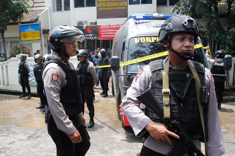 Deradicalization efforts failing: Police
