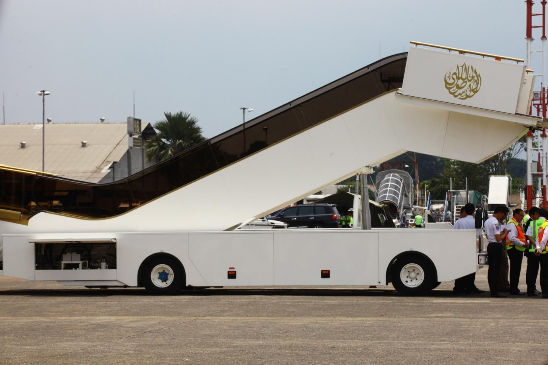 An electric escalator will be used by King Salman at Halim Perdanakusuma Airport, Jakarta, on Wednesday. JP/Dhoni Setiawan