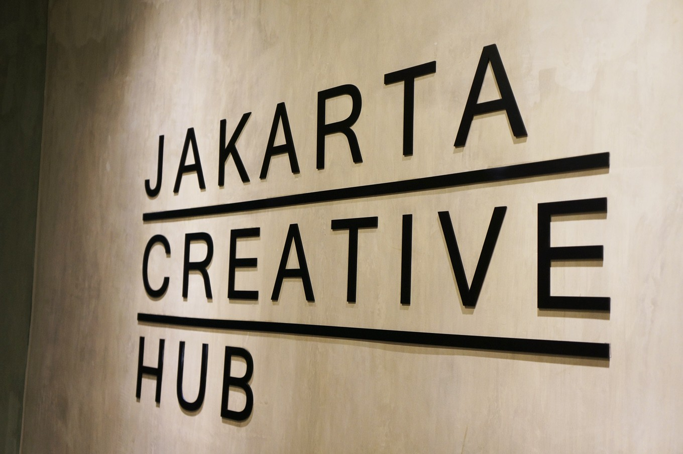 The co-working space can be found atthe first floor of Graha Niaga building in Melati reservoir area,Tanah Abang, near the Thamrin City and Grand Indonesia Shopping Mall in Central Jakarta.