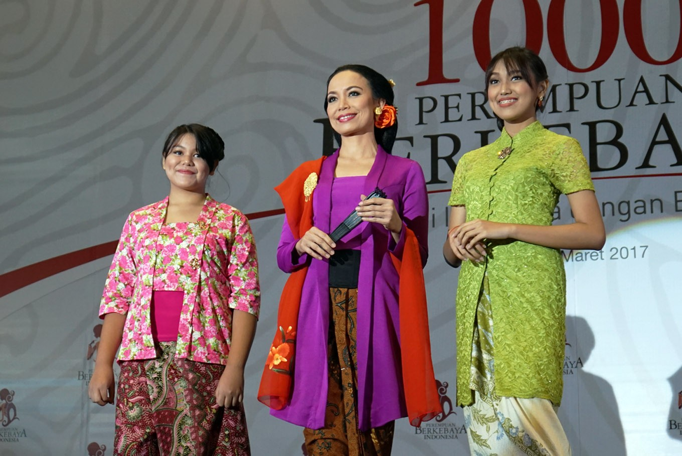 Cultural movement seeks Indonesian women to wear, preserve kebaya  Art  Culture  The Jakarta Post
