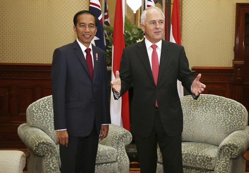 Australian leader to continue free-trade talks in Indonesia