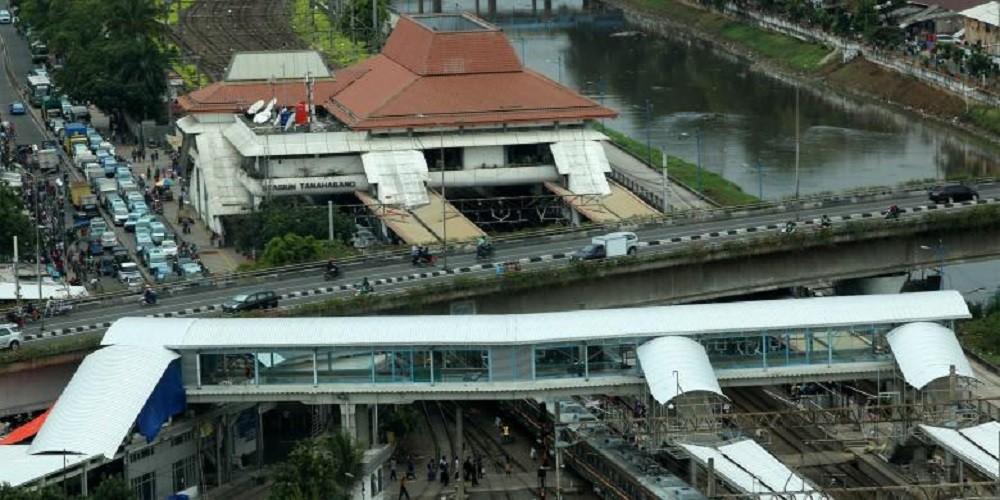 Tanah Abang station's bridge opens