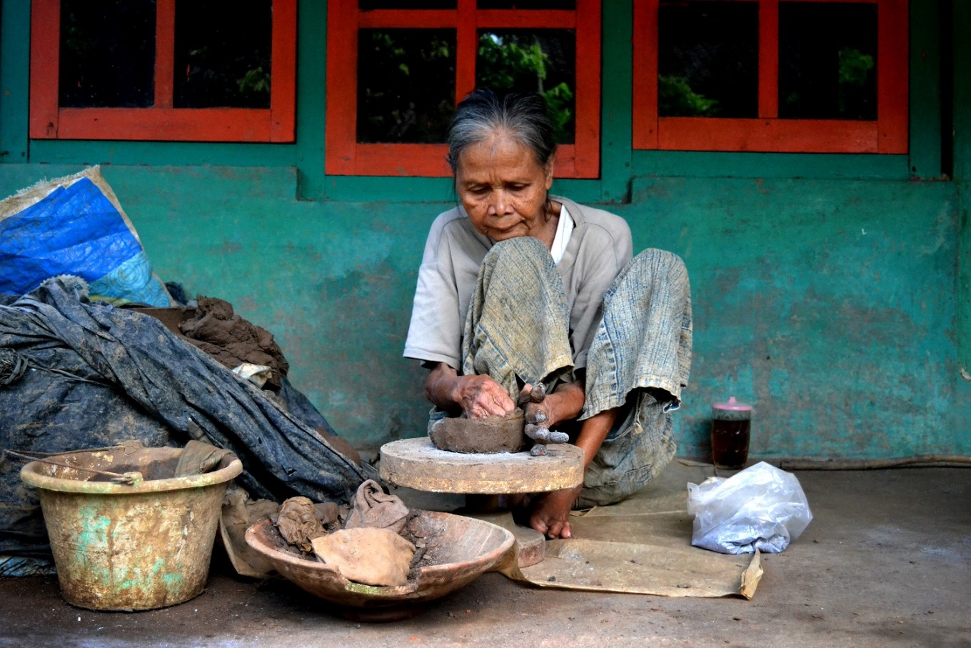 Klipoh resident Sian shared that she had been making pottery since she was little.