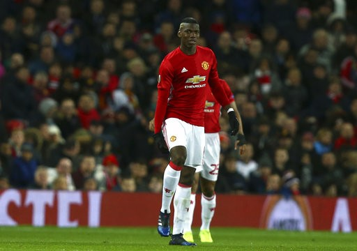 Pogba injured as Man United advances in Europa League
