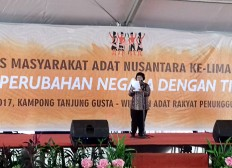 Carnival of culture opens indigenous people's congress in North Sumatra