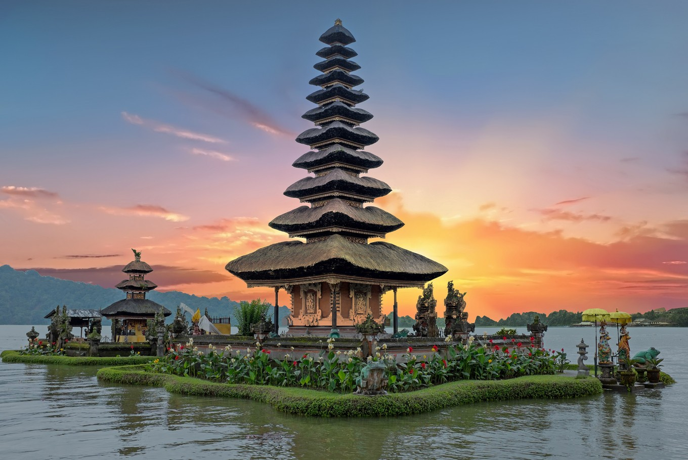 Bali named world's best destination by TripAdvisor - News