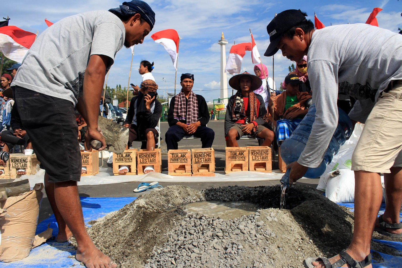 No one can stop Rembang cement factory: SI