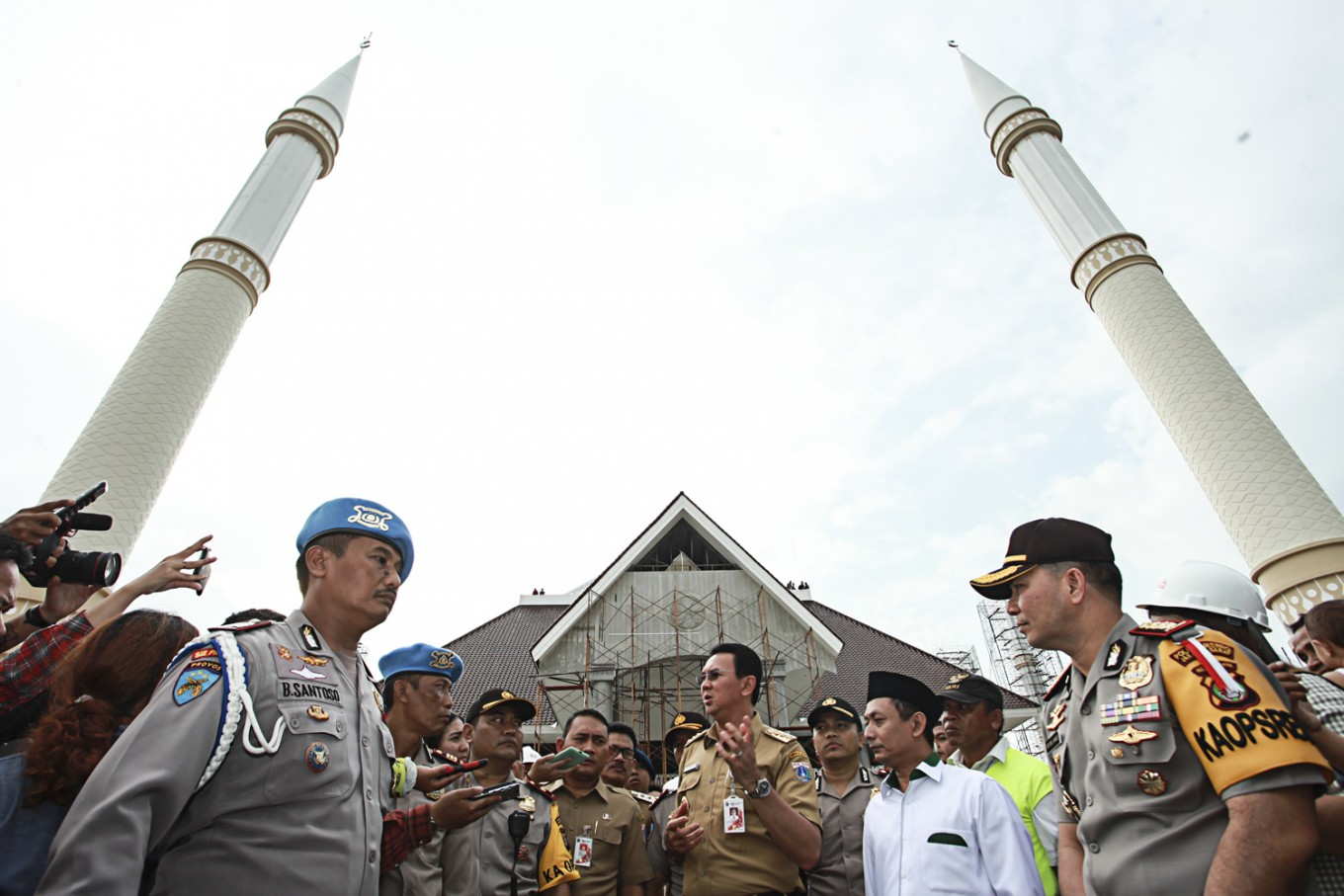 Backgrounder: Jakarta elections, wooing Muslim voters
