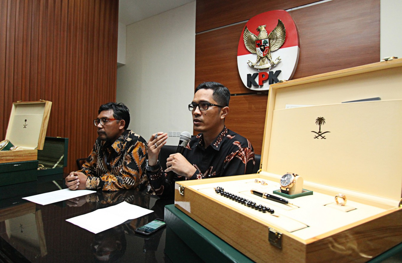 7 people caught red-handed by KPK in alleged bribery case