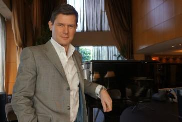 Digital apps transform music industry, not live performances: Gregg Arthur