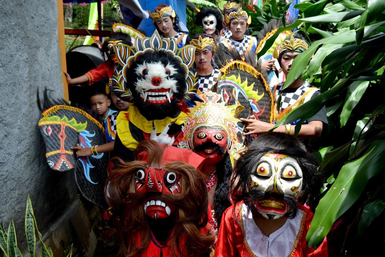Preserving Barongan performing arts in Plosorejo, Karanganyar