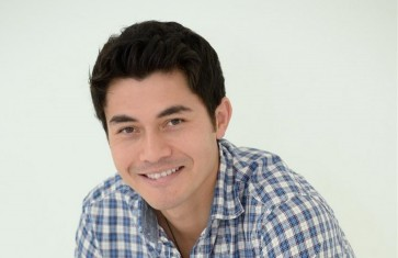 Henry Golding to star in Hollywood film 'Crazy Rich Asians'